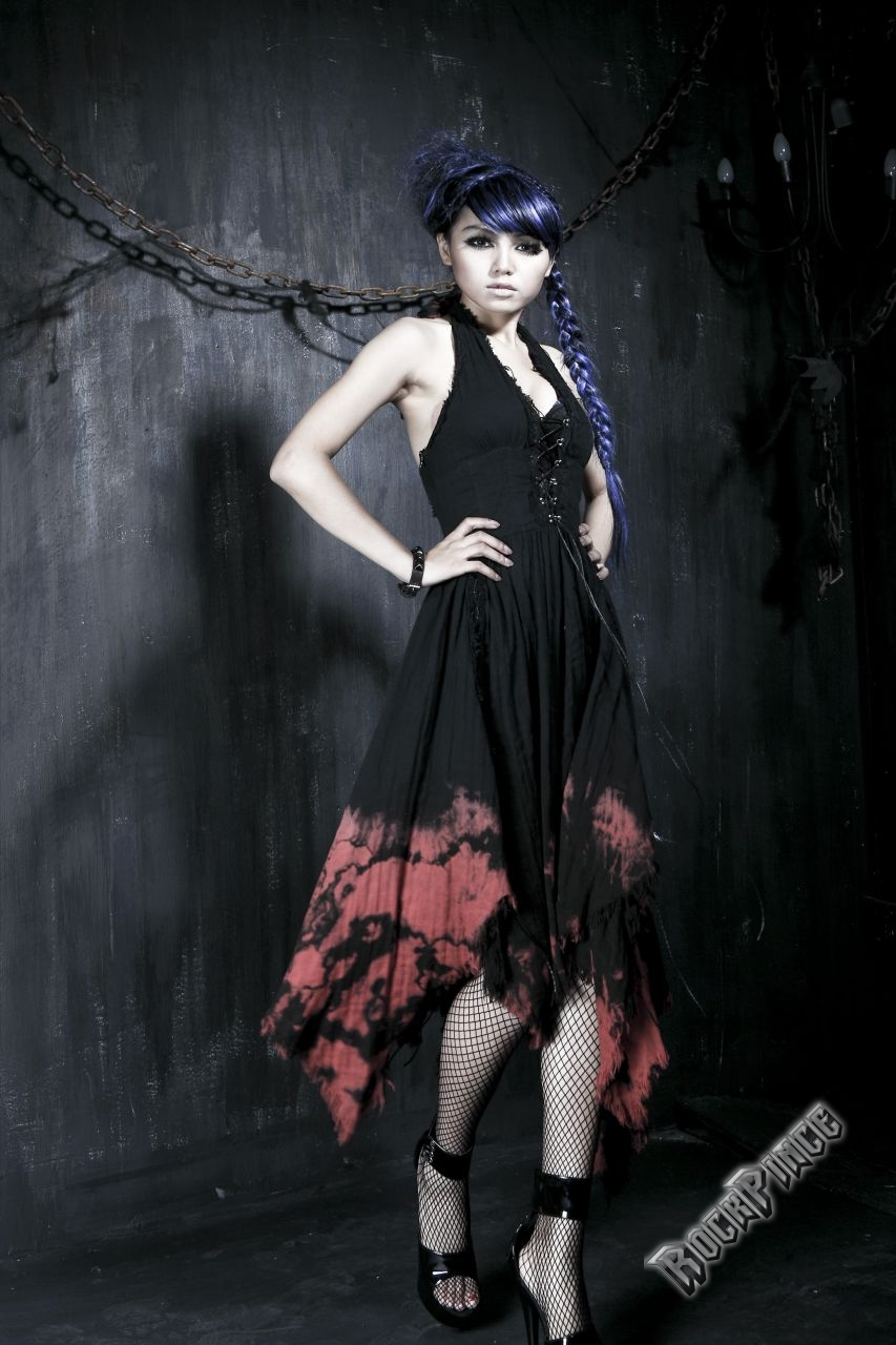 VAMPIRE FLOWER - ruha Q-172