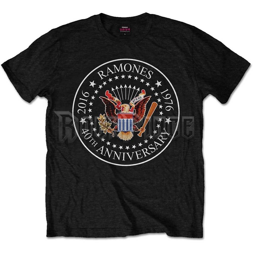 Ramones Férfipóló: 40th Anniversary Seal - RATS18MB